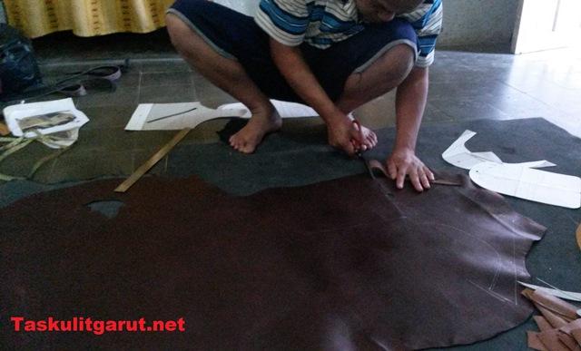 pengrajin tas kulit garut 3