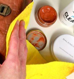 cara merawat tas kulit agar warna tidak pudar dan tidak rusak