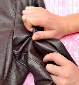 cara mengembalikan jaket kulit yang kusut dan mengkerut